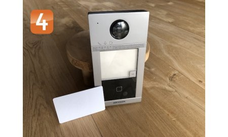 Hikvision DS-KV8113-WME1 opbouw IP video intercom 2MP WiFi deurbel met PoE, Mifare kaartlezer, alarm, microSD slot